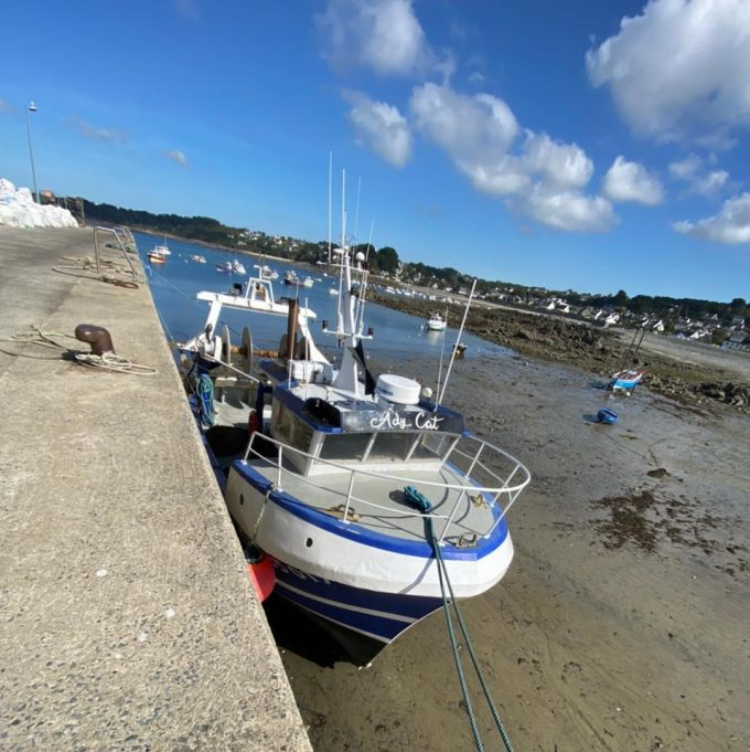 ADYCAT Bateau de Pêche - AdyCat à quai