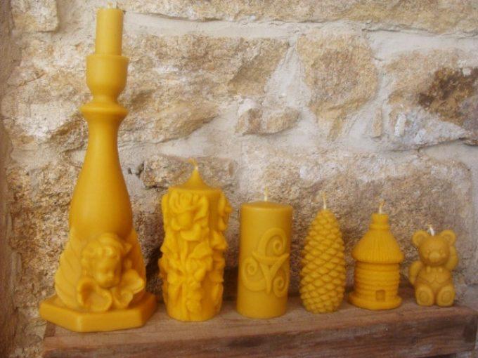 Production de bougies en cire d'abeille