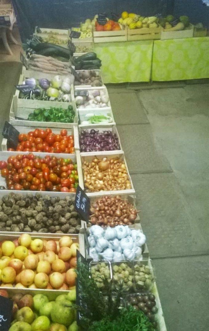 Etal de légumes à la ferme