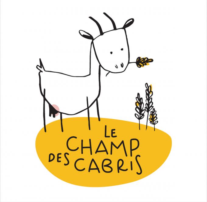 Le Champ des Cabris - agneau dans les bras