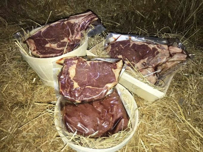 Colis de viande sous vide disponibles