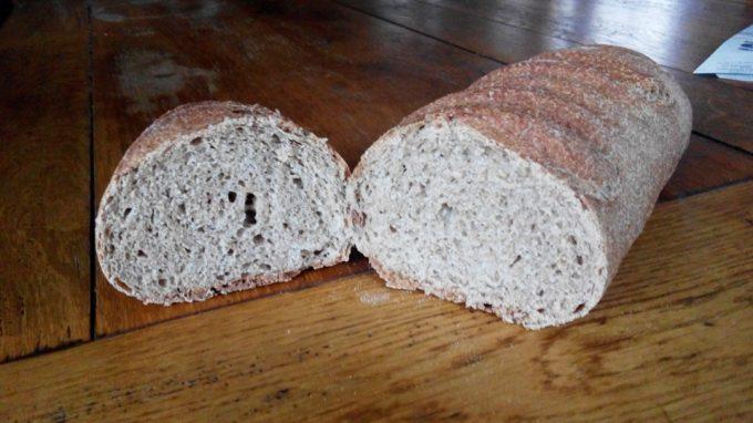 Pain complet réalisé à partir de la farine du moulin
