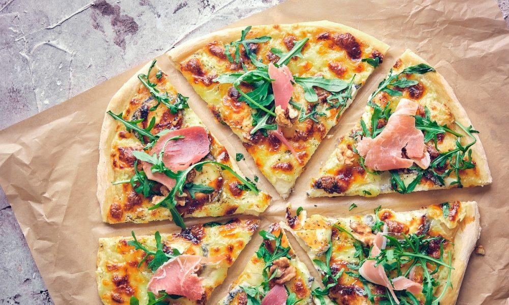Recette de pizza maison chèvre et miel