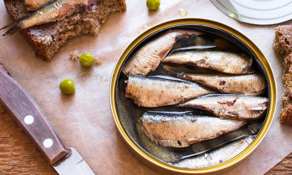 La boite de sardine : histoire, bienfaits, recettes… on vous dit tout !
