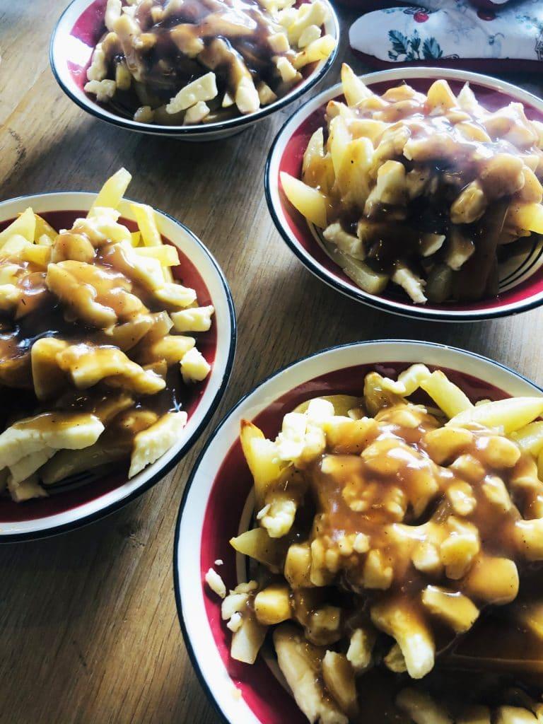 Recette de poutine, avec fromage local et sauce maison