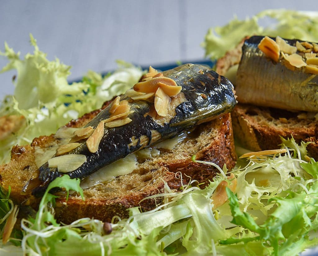 La boite de sardine : histoire, bienfaits, recettes... on vous dit tout !